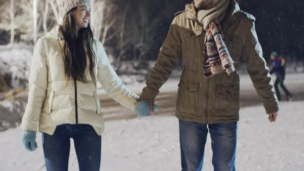 Winter-Friendly First Date Ideas